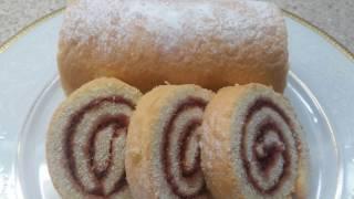 Рулет бисквитный с вареньем! Очень вкусно и быстро!Roll biscuit with jam!Very tasty and quick