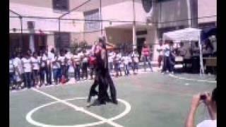 Gustavo Santiago dançando Lady Gaga- Escola Bahia