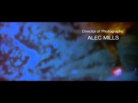 Интро фильма Искры из глаз под песню группы The Pretenders -- Where has everybody gone