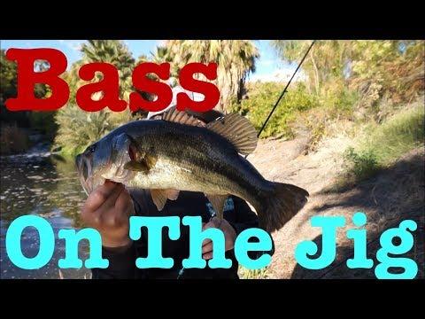 Palm Springs Bass Fishing -  Catching BIG BASS On The Jig