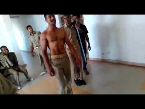 Hot Military stud talks about the serviceKaynak: YouTube · Süre: 3 dakika31 saniye