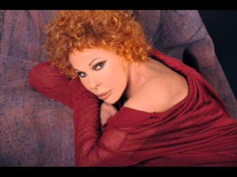 """Ornella Vanoni - """"Averti addosso"""" (live)"""