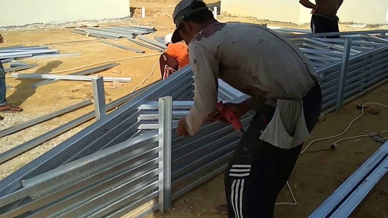 Pasang Atap Baja Ringan Dengan Genteng Tanah Keramik Dan Beton