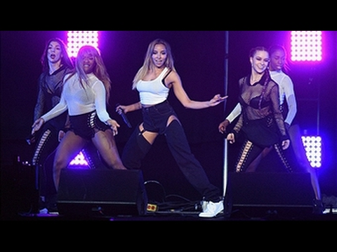 """Tinashe Performing """"Flame"""" at ACLU's Welcome Concert"""
