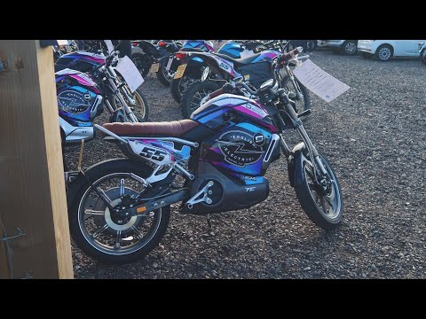 Electric Vlog Part 1 😎 // Super Soco TC & TC Max ⚡ // A Day Ridin' Some Electric Bikes 🔋