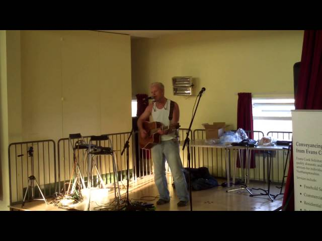 I Worry live looped Wellingborough Beer Festival 27 Sep 2014