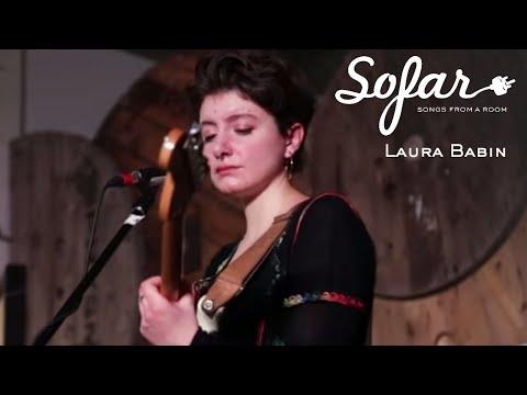 Laura Babin - Le sang mêlé à l'eau salé | Sofar Montréal
