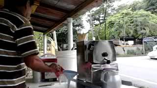 Guarapo de Caña en Morovis,Puerto Rico!