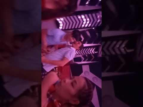 Đi karaoke ôm chịch gái đang ca