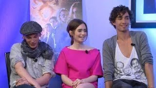 jamie campbell bower lily collins and robert sheehan the mortal instruments city of bones
