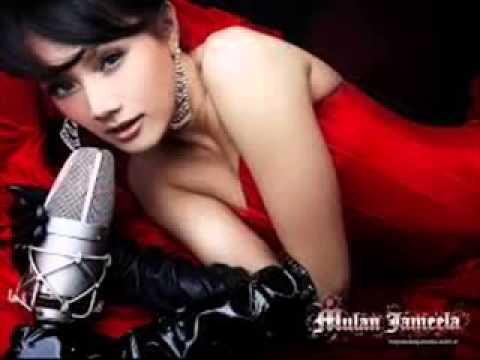 Mulan Jameela & Mike Mohede   Tiada Kata  Oficial Video .mp4