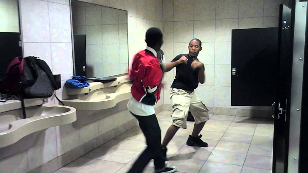 slap boxing in the bathroom by bodry swag - YouTube