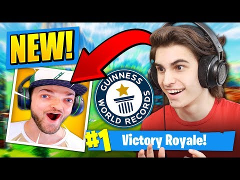 Playing a FORTNITE RIPOFF IN ROBLOX!?   Doovi