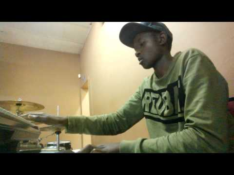 Andziso playing a simple 6-2 progression tune