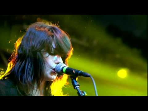 I Wish I Was Someone Better live - Blood Red Shoes