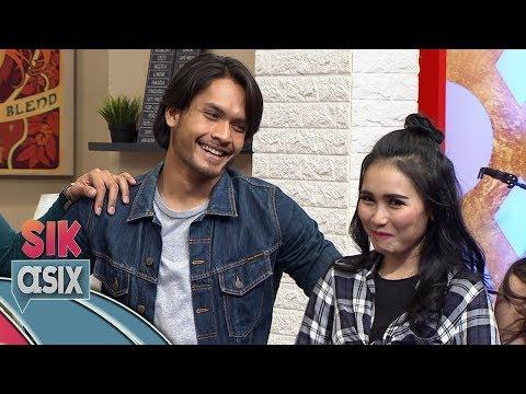 Lucu Nih, Lihat Cowok Ganteng, Ayu Ting Ting Ga Fokus  - Sik Asix (22/12)
