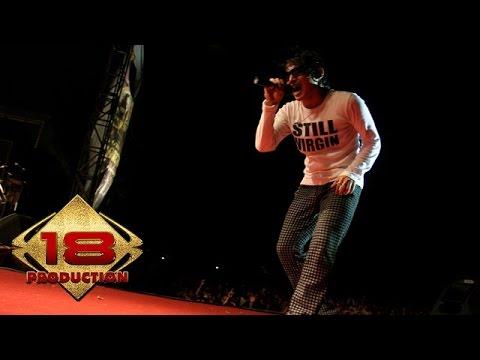 Tipe-X - Karena Cemburu (Live Konser Sei Pinyuh Pontianak 13 Juli 2006)