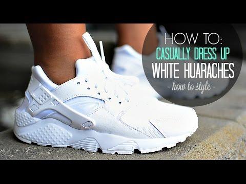 17a799b25555 Nike Triple White Huaraches ON FEET