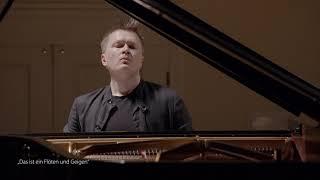 """Kristjan Randalu – """"Das ist ein Flöten und Geigen"""""""