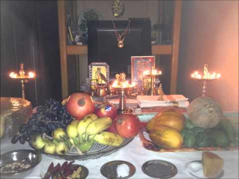 KANNANU NEDHIKKAN KATHALIPAZHAM.. Hindu Devotional Songs byu Vani