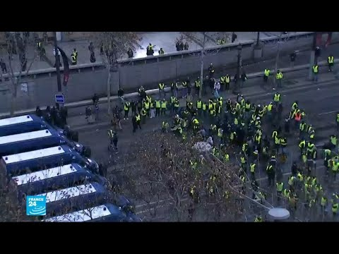 أصحاب السترات الصفراء يواصلون احتجاجاتهم في فرنسا  - نشر قبل 4 ساعة