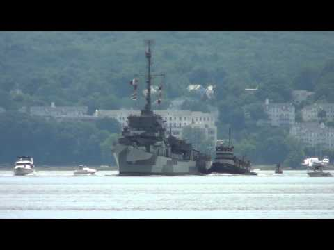 USS Slater DE-766 NB on the Hudson River to Albany