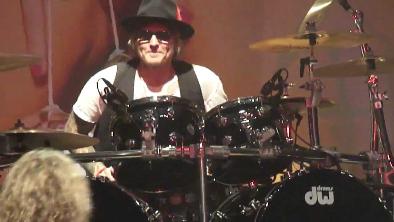 Matt Sorum Joins Steel Panther And Shreds At The House Of Blues