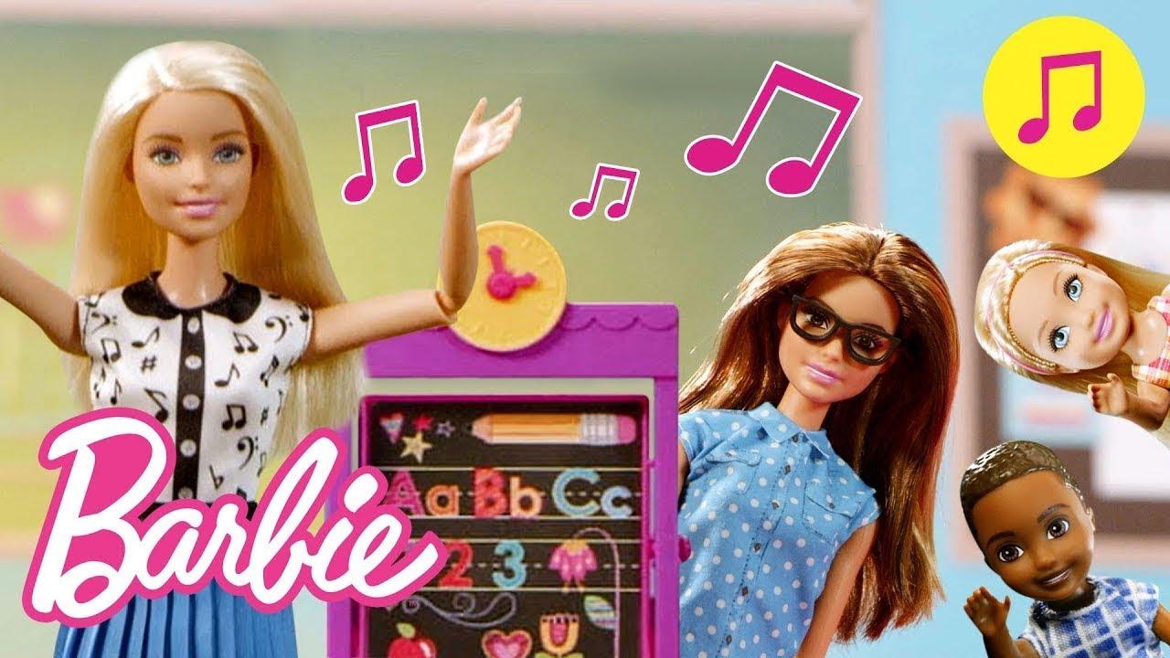 Barbie leva seus alunos em uma viagem de muito aprendizado | Barbie Songs | Barbie Português