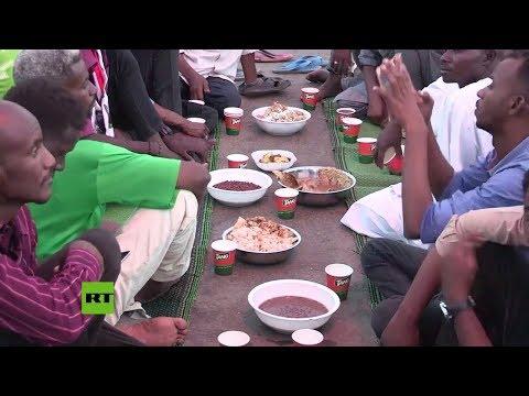 Sudán: Manifestantes celebran el Ramadán en la capital