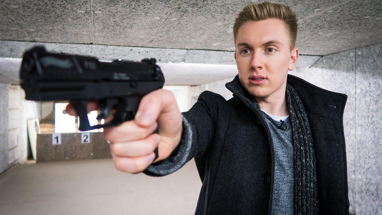 wie schwer ist es eine pistole zu kaufen kleiner waffenschein youtube
