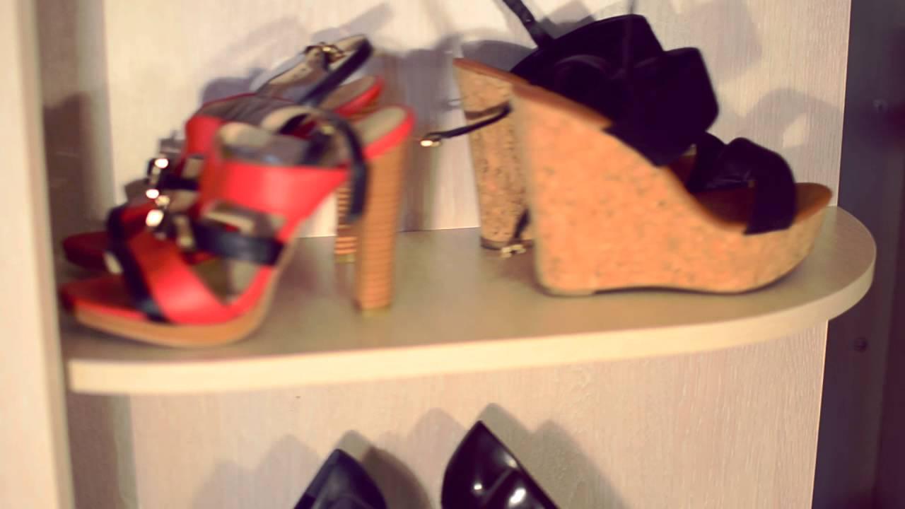 Купить обувницу в интернет-магазине мебели «lux-mebelspb». Обувница в прихожую – это тот элемент интерьера, который в обязательном порядке должен присутствовать в упомянутой зоне квартиры. Ведь большое количество обуви, которое скапливается в прихожей, значительно мешает.