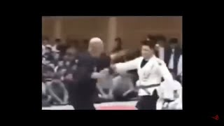 Completely Hilarious And Dumb Martial Artists and Self-Defense Experts