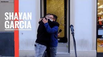 Menschen beschenken 2500 € | Shayan Garcia