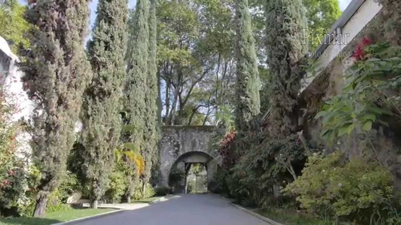 Hacienda san gaspar jardin huayacan ixaya rincon dorado for Jardin villa san gaspar