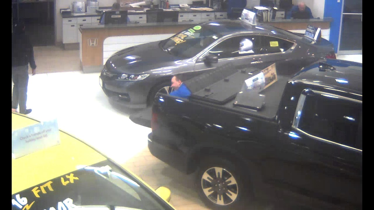Honda Cars Of Boston Ben Scaring Justin While Hiding In The 2017 Ridgeline  In Bed Trunk