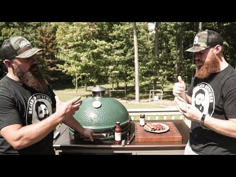 Grilling  Brats On The Big Green Egg!