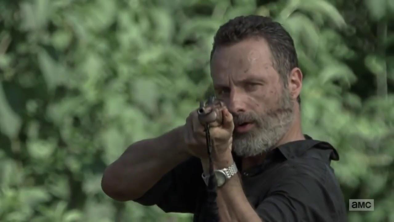 The Walking Dead Season 9 Ep 2 Aaron Loses An Arm