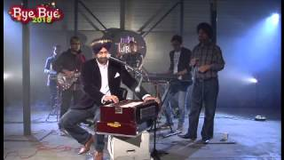 MALKIT SINGH - Performing Live on B4U New Years Eve Show.