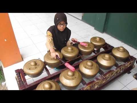 Jiro Salendro-Lingkung Seni Santri Kalijaga SMP-Plus Al-Amanah Dayeuhkolot, Bandung