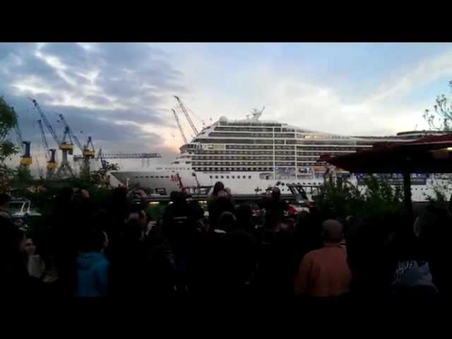 Cruise Ship Plays The Loudest Seven Nation Army Youve Ever Heard - Cruise ship songs