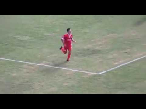Algunas jugadas y goles de Martins Owen