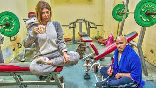 Takh -Yaretny roht el gym fel sheta-طاخ  - يا ريتني رحت الجيم في الشتا Yousra EL Gendy & Ezz Shahwan