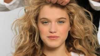 MOROCCANOIL | Professional tutorial How to create beach waves Thumbnail