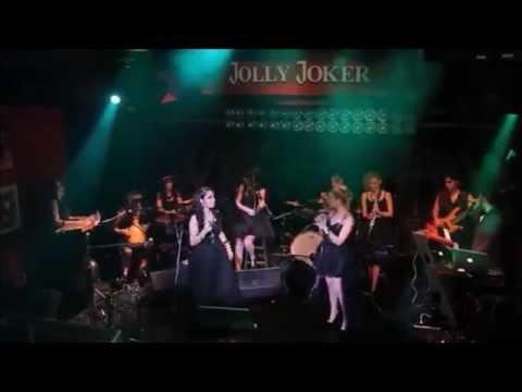 Istanbul Girls Orchestra, singing Mukesh's song Awara Hoon
