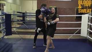 Бокс. Специфический апперкот в ближнем бою. Boxing. Side step and uppercut.