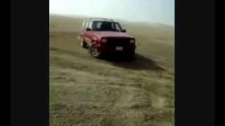 Jeep Cherokee on Desert.avi