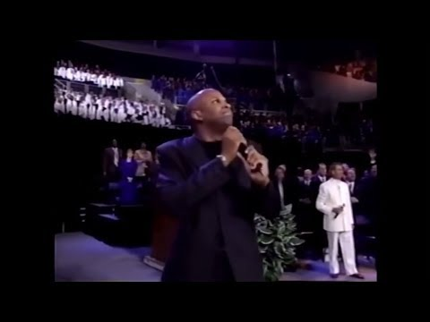 Donnie McClurkin sings WHEN JESUS COMES