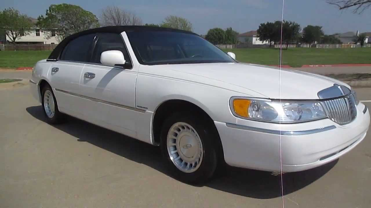 2000 Lincoln Towncar 64k Miles White Carriage Top Wow Youtube
