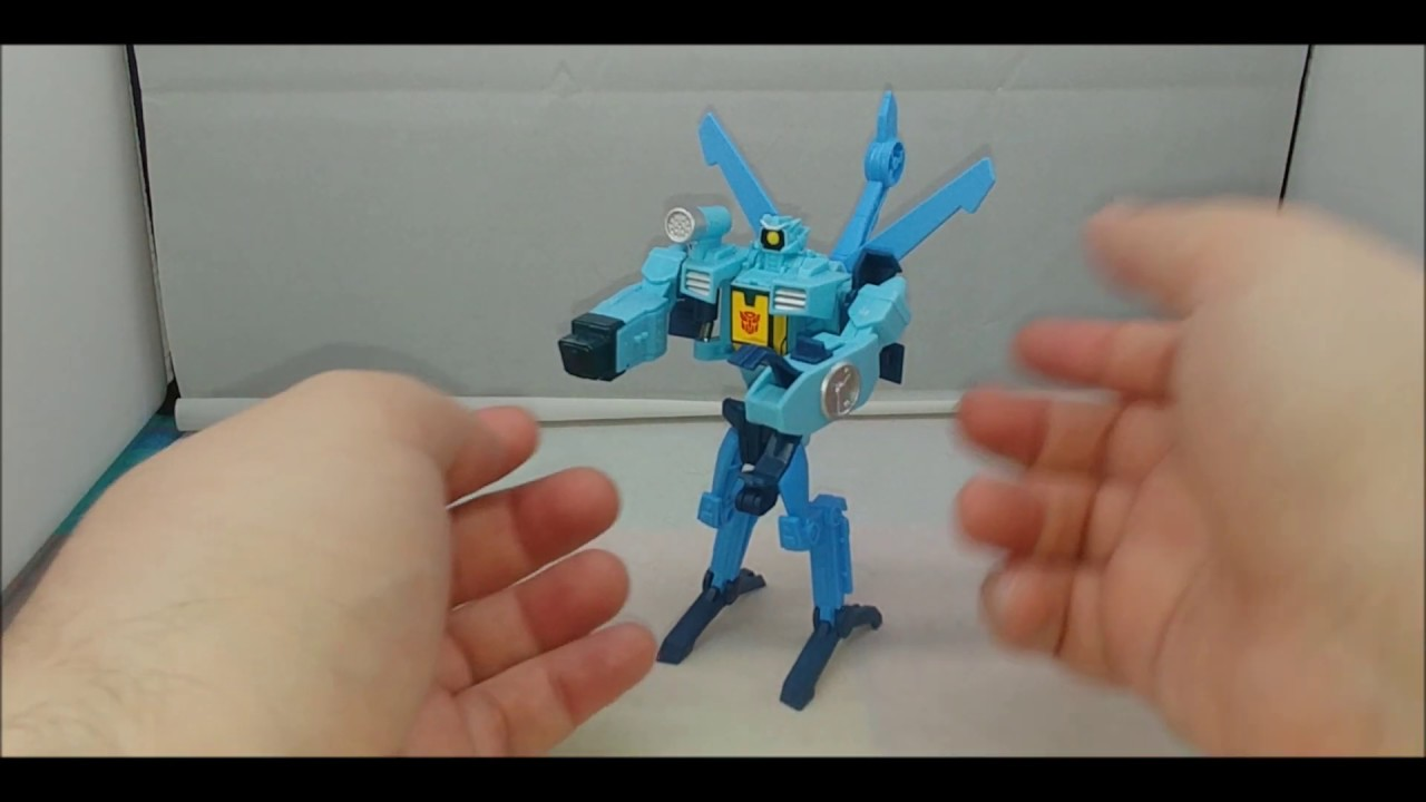 Chuck's Reviews Transformers Cyberverse One Step Whirl
