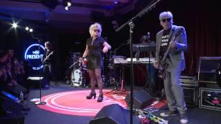 Смотреть клип Blondie - What I Heard